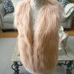 NWOT! GORGEOUS Peach FAUX FUR VEST SZ M